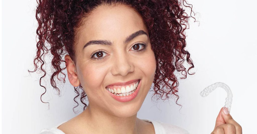 Difference between Invisalign and retainers